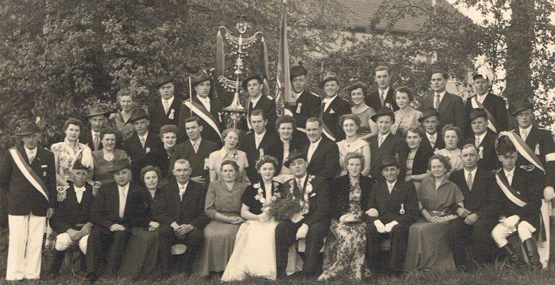Hofstaat 1955